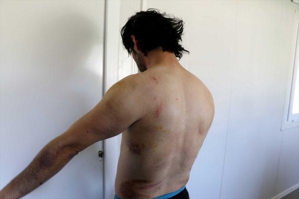 Yunanistan yine mültecileri dövüp geri yolladı