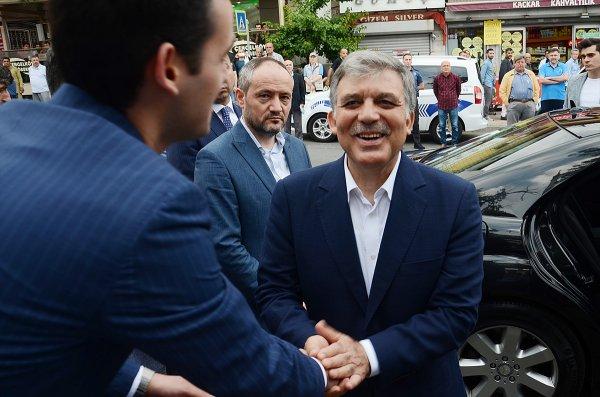 Abdullah Gül, bayram namazını Beykoz'da kıldı