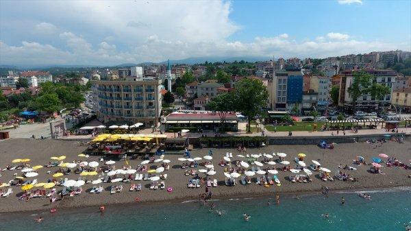 Batı Karadeniz sahilleri de bayramda doldu