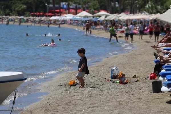 Bodrum'da sahiller dolmaya başladı