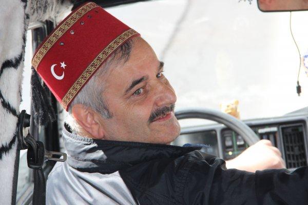 Erzurumlu trafik kazalarını önlemek için araba tasarladı