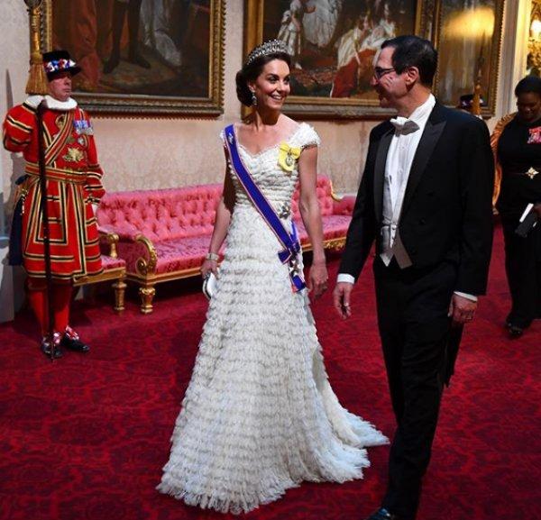 Kraliçe'nin verdiği yemeğe Meghan Markle katılmadı