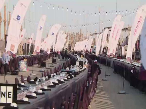 Mısır'da dünyanın en uzun iftar sofrası kuruldu