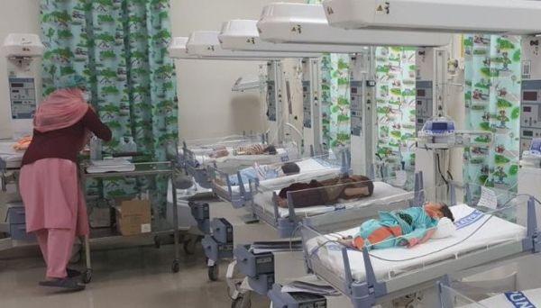 Pakistan'da hastanede klimalar bozuldu: 8 çocuk öldü