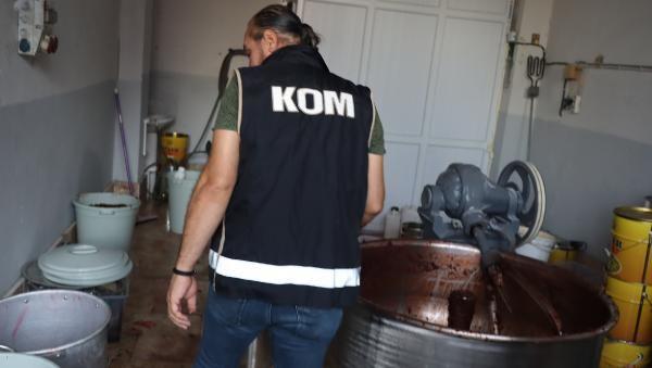İstanbul'da 1 ton kaçak nargile tütünü ele geçirildi