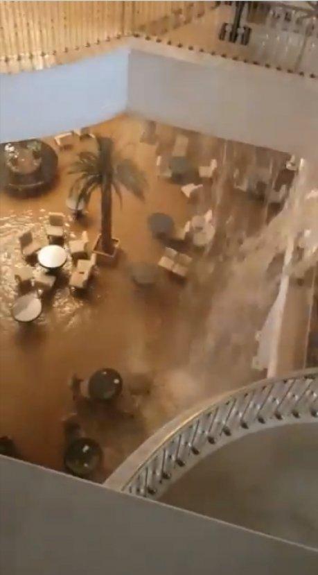 Bodrum'da 5 yıldızlı otel sular altında