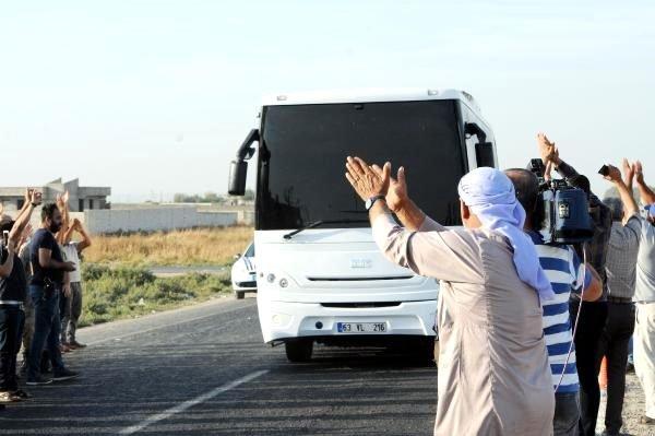 Muhtemel operasyon için sınıra giden askerimize karşılama