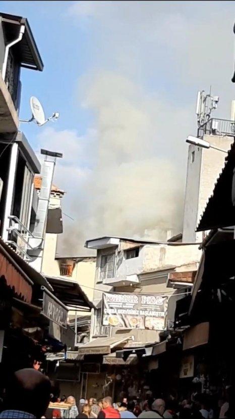 İzmir'de tarihi Kemeraltı Çarşısı'nda yangın