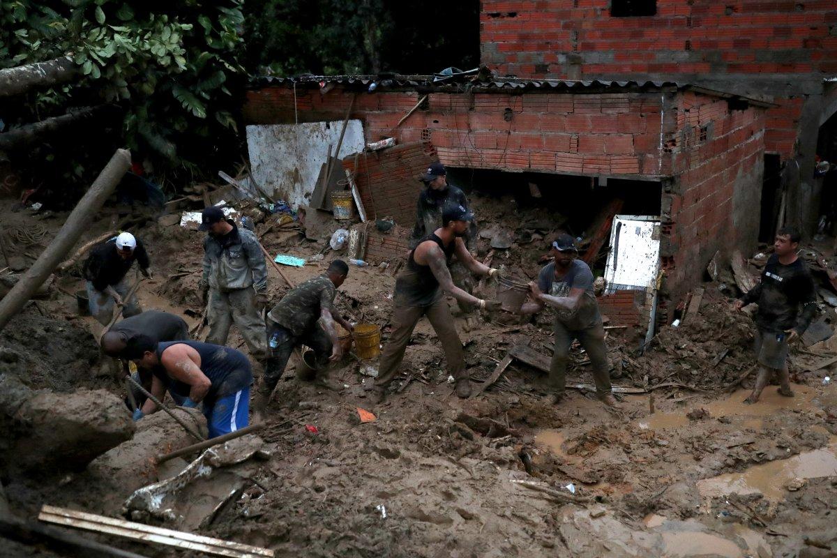 Brezilya'da aşırı yağışlar 23 can aldı