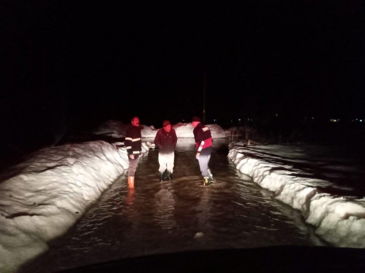Hakkari'de evler sular altında kaldı