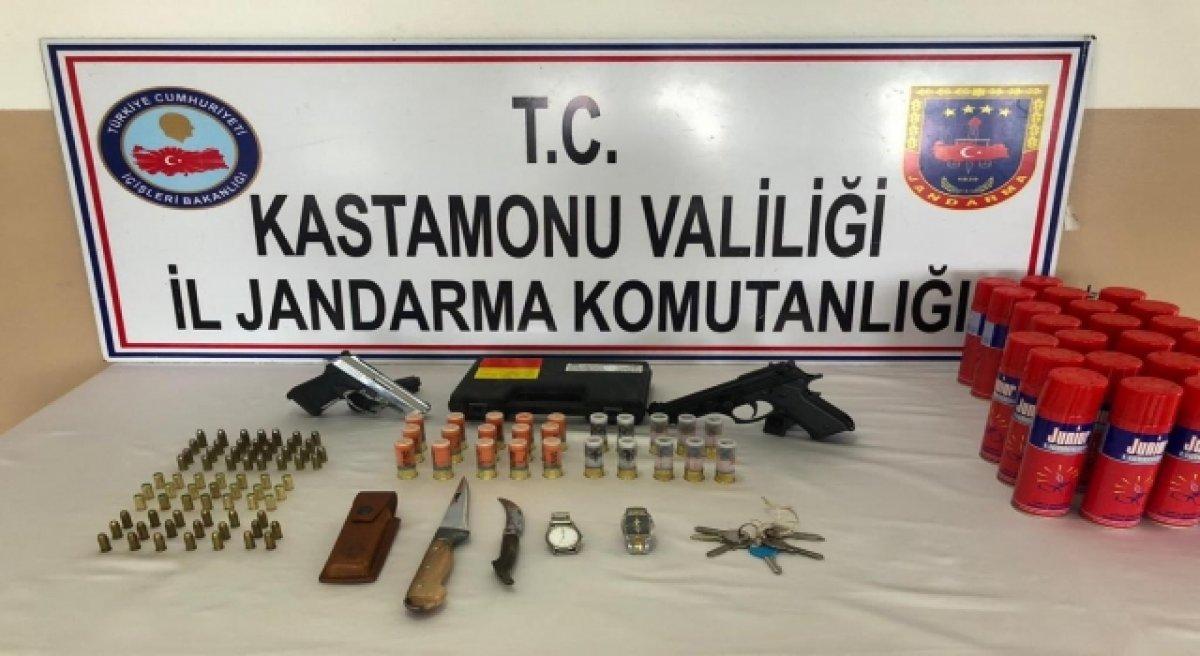 Kastamonu'da tabutta silah saklayan zanlı yakalandı