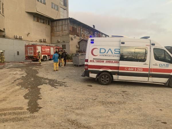 Tuzla'da kumaş fabrikasında yangın; mahsur kalan 5 işçi kurtarıldı -3