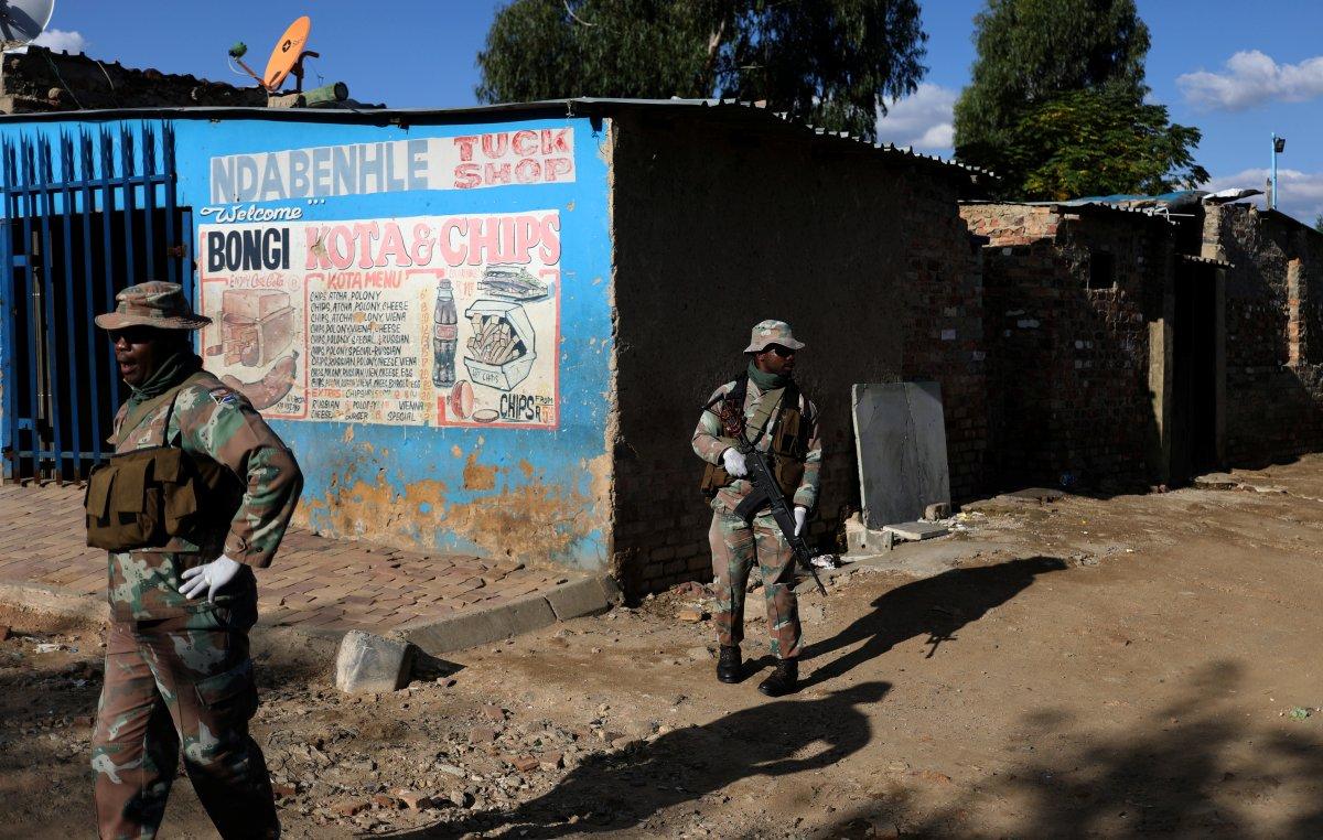 Güney Afrika'da 397 okul yağmalandı