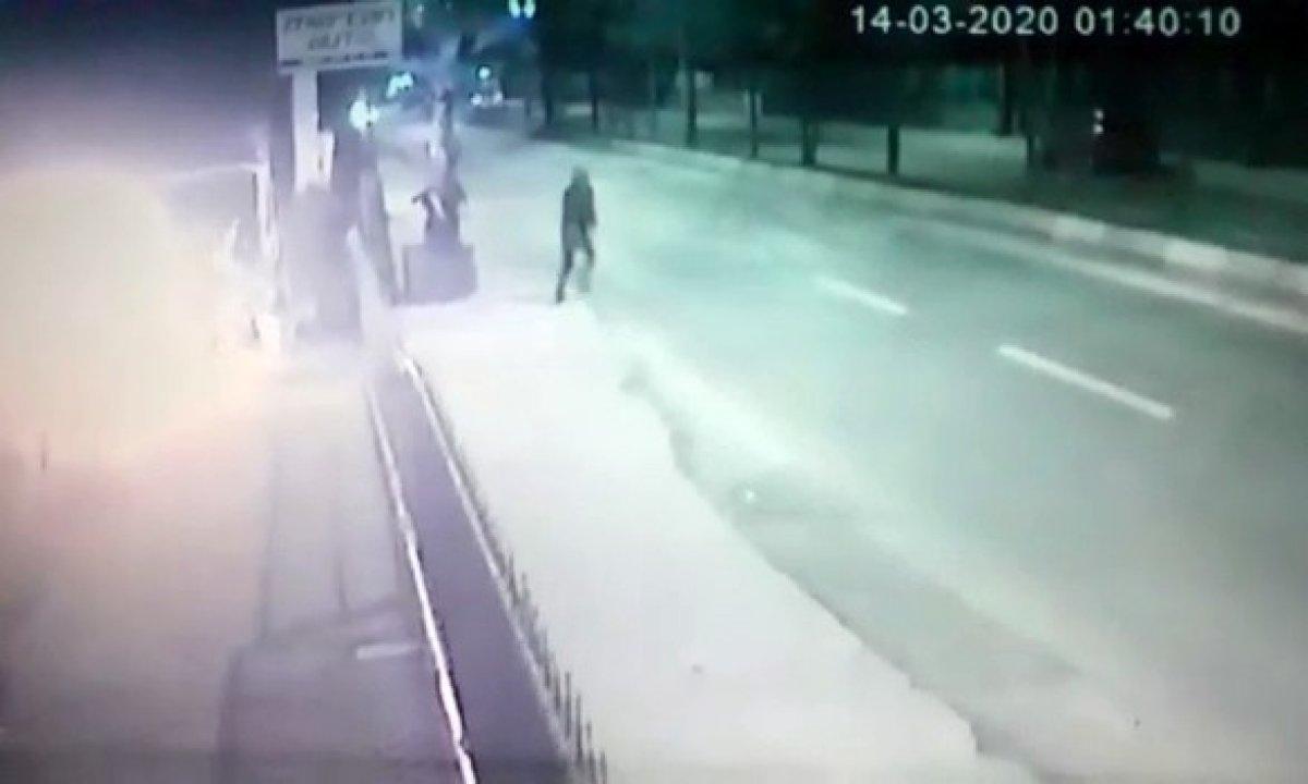 İstanbul'da lüks aracın kundaklanma anı