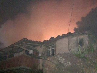 Maltepe'de 3 gecekonduda yangın