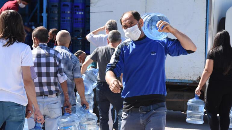 Eskişehirde su krizi devam ediyor Vatandaşlar oraya akın etti...
