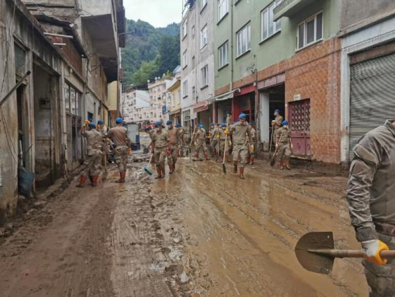 Son dakika... Milli Savunma Bakanlığı fotoğrafları paylaştı İşte Giresunda son durum...