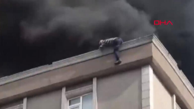 Son dakika... Bağcılarda yangın Kurtulmak için çatıdan atladı ama...